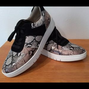 Naturalizer animal reptile print leather lace ups